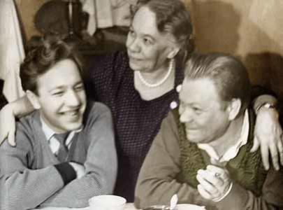 Федор Дружинин с мамой Натальей Львовной Дружининой и старшим братом Львом